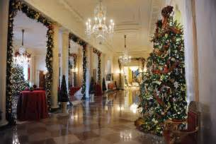 michelle obama unveils white house 2012 holiday decorations