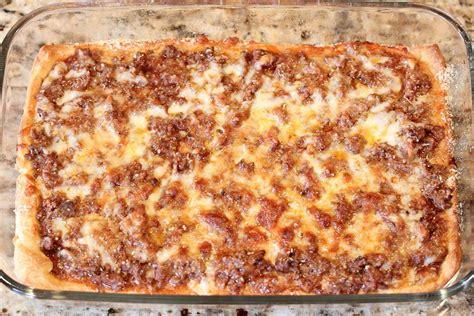 Easy Deep Dish Pizza Casserole Allfreecasserolerecipescom