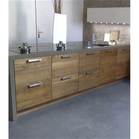 cuisine bois beton cuisine sol façon béton ciré chez adr résine