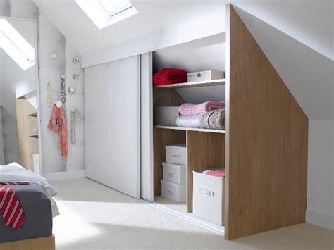rangement dans chambre une chambre mansardée transformée en dressing 2 chambre