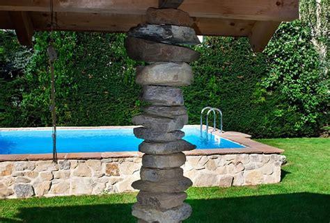 Pool Im Garten Gestalten Mit Holz by Bachlauf Wasserspiele Und Quellstein Gartengestaltung