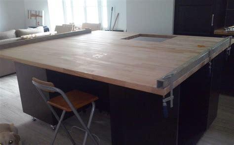 assemblage plan de travail cuisine rénovation de cuisine avec plans de travail en hêtre