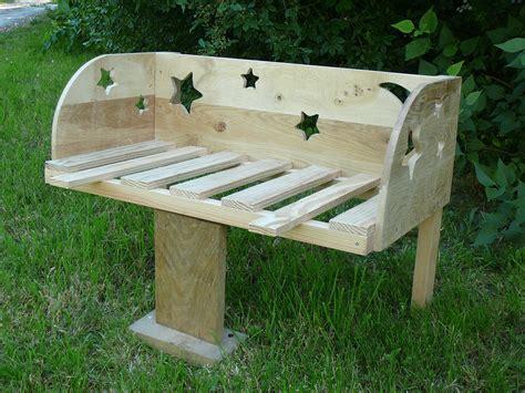 chambre bebe en pin lit bébé cododo en bois thème étoiles et lune chambre d