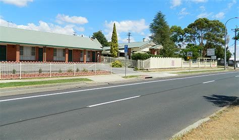 roseville apartments with garages accommodation location in tamworth roseville apartments