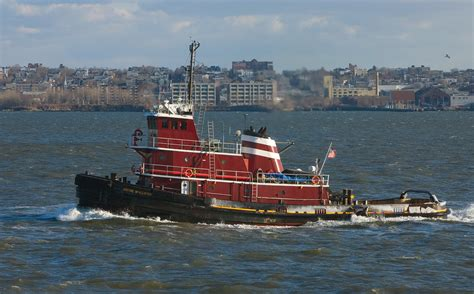 Tugboat Pictures by File Tug Boat Ny 1 Jpg