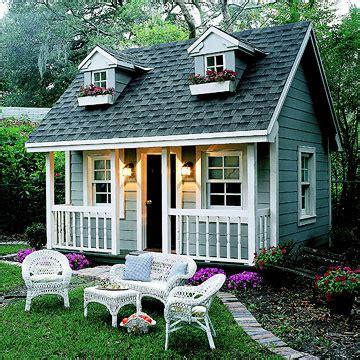 perfect backyard playhouses   build   kid