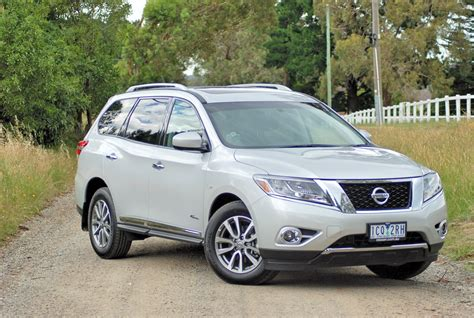2015 Nissan Pathfinder Review
