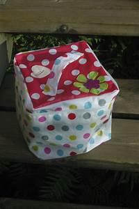 Trousse Toilette Fille : 2 cadeaux d 39 anniversaire dans la mare aux tritons ~ Teatrodelosmanantiales.com Idées de Décoration