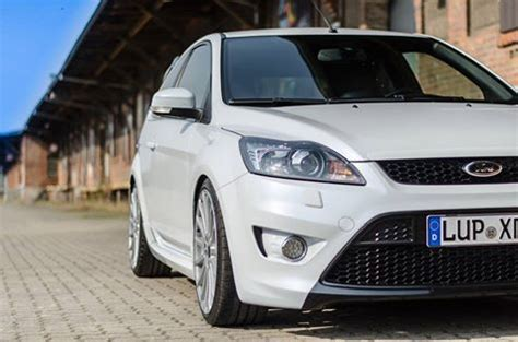 ford focus mk2 facelift white black ford focus st mk2 facelift focus ford st mk2 ford motorsport ford cars