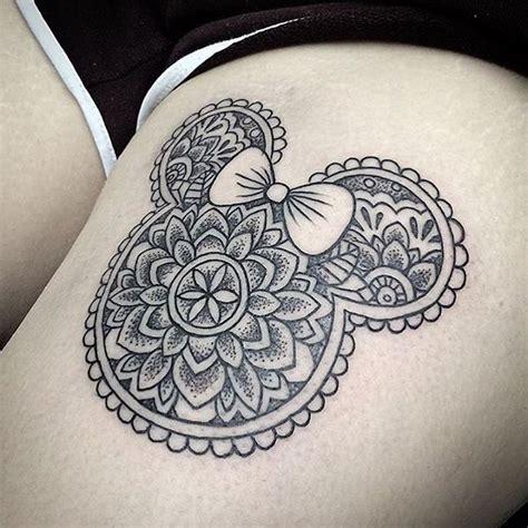 tatouage mandala lotus cuisse