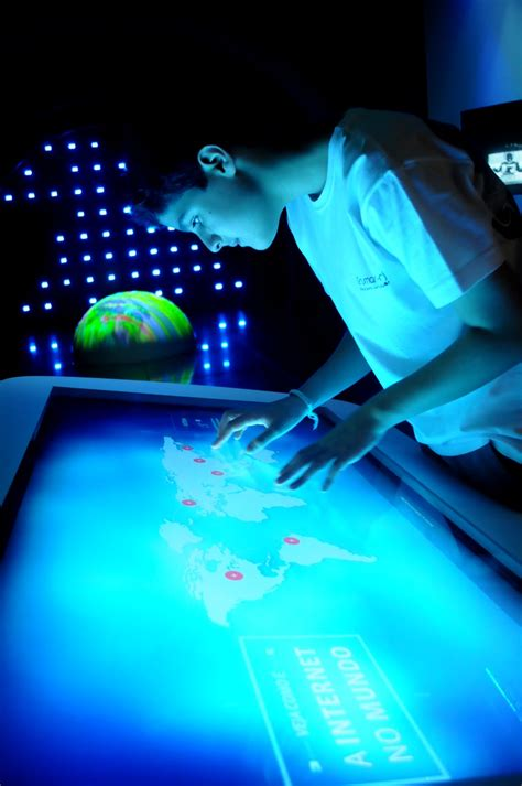 brasileiros usam kinect  criar arte interativa em