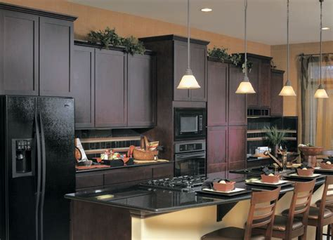 Kitchen Cabinet Paint Colors Black Appliances by Better Kitchen Idea Espresso Cabinets Black Counters And