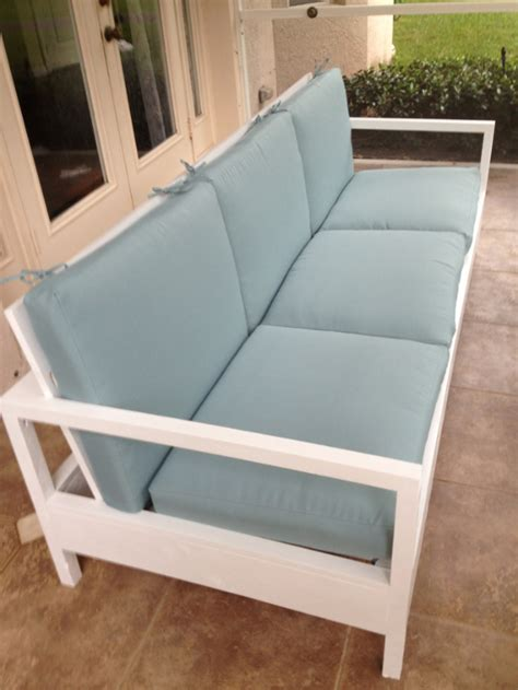 Diy Loveseat by 35 Cool Diy Sofas And Couches