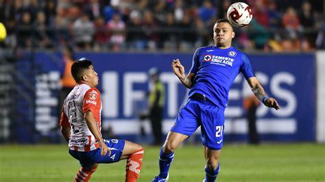 Juan reynoso, quien fue jugador de la 'máquina' en 1997, fecha en la que levantaron su último trofeo, piensa hacer historia. EN VIVO: Cruz Azul vs Santos, por la Liga MX | Fútbol-Addict