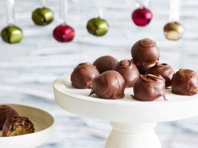 Member recipes for trisha yearwood cooking show. Trisha Yearwood : Food Network | Recipe | Holiday cookie ...