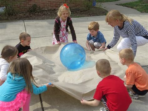 five simple activities that promote teamwork teach 959 | Earthday 199