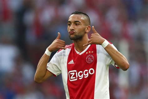 """With the club, he also won the johan cruyff shield in 2019 and had. Could Hakim Ziyech make his """"dream"""" Arsenal move this summer?"""