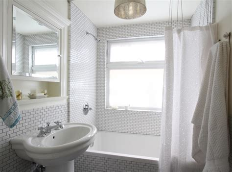 Bathroom Ideas Small White by 20 Stylish Small White Bathrooms Design Ideas With Pictures
