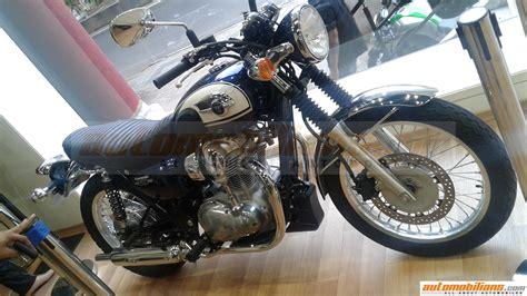Kawasaki Motorcycle Dealership by Kawasaki W800 Spotted At A Dealership To Be Launched Soon