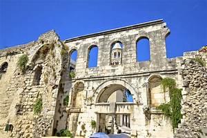 Pristyle Du Palais De Diocltien Tourisme Split