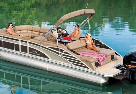 Bass Pro Shop Tritoon Boats by R Series Performance Pontoon Boats By Bennington
