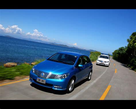 Electric Sedan by Daimler Byd 2014 Denza Electric Sedan