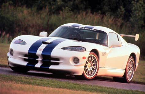 dodge sports car american muscle the 10 fastest dodge cars
