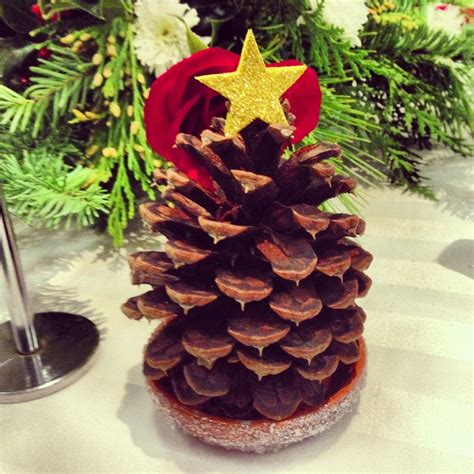 pine cone christmas table decorations christmas table decor christmas party ideas pinterest