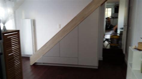 quoi mettre sous un escalier meubles sous escaliers sous pentes jlm menuiserie et 233 b 233 nisterie d 224 et hauts de