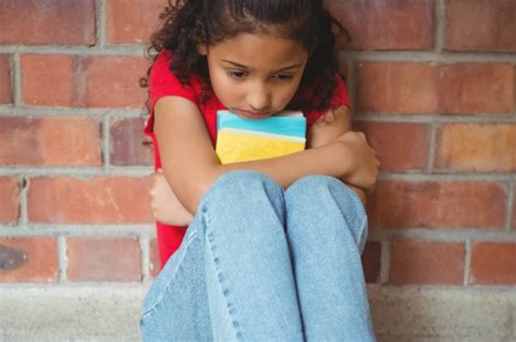 how to help your anxious child a guide for parents 602 | child school problems