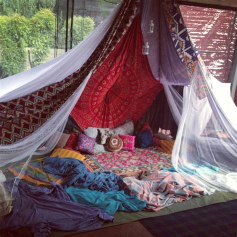Boho Bed Canopy by Drowning In A Boho Canopy Bed The House Of Boho