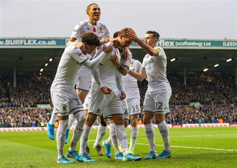 Leeds United on course to return to Premier League - video ...
