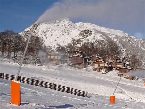 enneigement mont d olmes les monts d olmes la station de ski qui vous offre ses montagnes vacances vues du