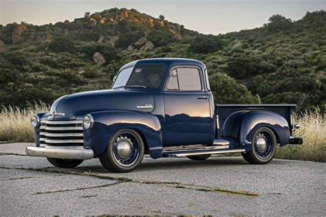 Icon Chevy Thriftmaster Pickup Truck Uncrate