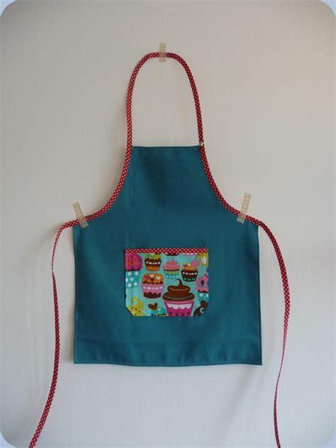 patron gratuit tablier de cuisine enfant