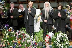 June Carter Cash Funeral -   Johnny Cash   Pinterest