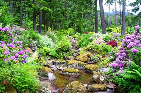 beautiful garden proves  alaska    tundra