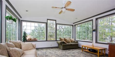 3 paint color ideas to liven up your sunroom decor