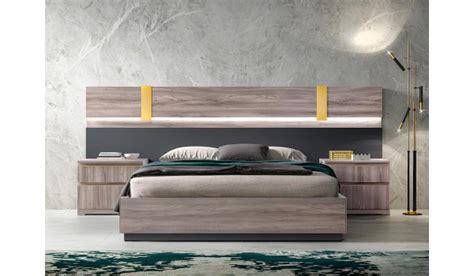 idée chambre adulte lit coffre adulte 160x200 avec chevets et t 234 te de lit 224 led pour chambre adulte