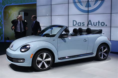 volkswagen convertible bug 2013 vw beetle convertible debuts priced from 24 495