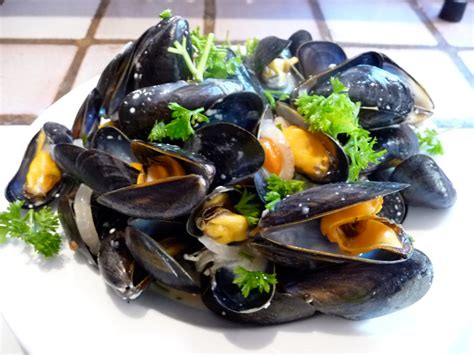cuisiner des moules comment cuisiner à la perfection des moules marinières à