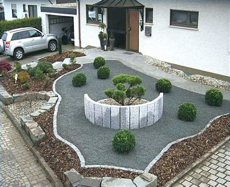 Vorgarten Pflegeleicht Gestalten by Lavendel Garten Ein Rasen Als Pfad Viele Blumen Einen