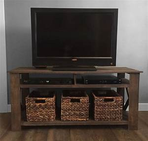 DIY Pallet TV Stand Plans