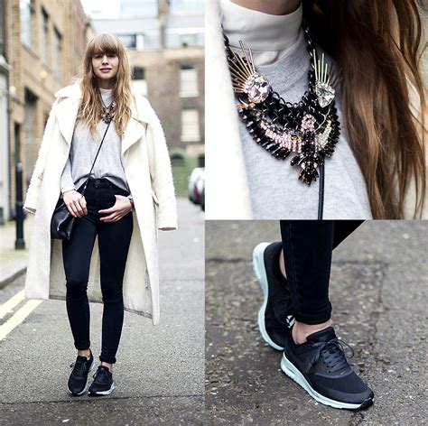 Lisa Dengler - Asos High Waisted Skinny Jeans Nike Air Max Thea Otte Cashmere Sweater Coach ...
