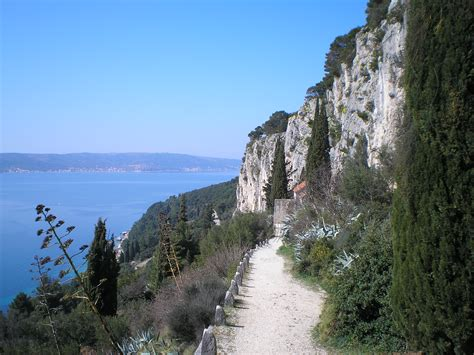 marjan hill the guide split