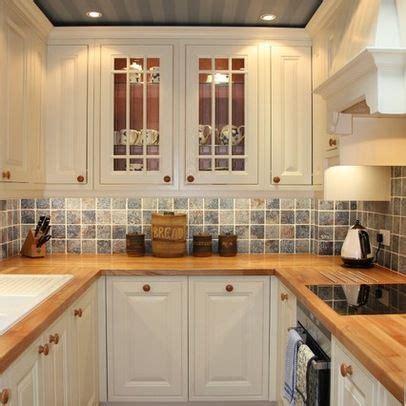 small ally kitchen layouts london traditional kitchen