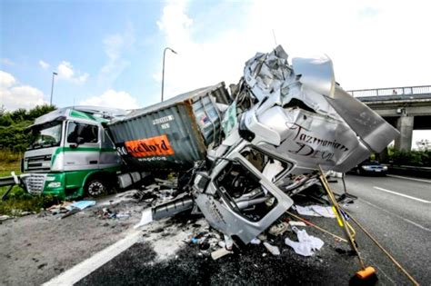 Avoiding Truck Accidents  Reyna Injury Lawyers