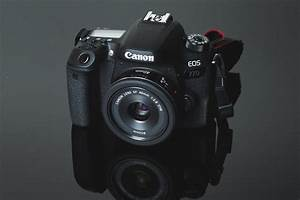Grip for canon 77d