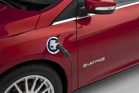 ford plans  introduce  electric model    mile