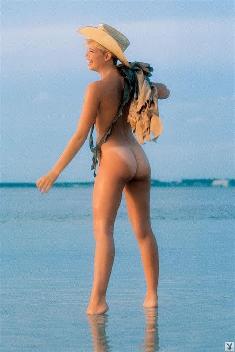 pamela saunders nude pictures rating 8 05 10